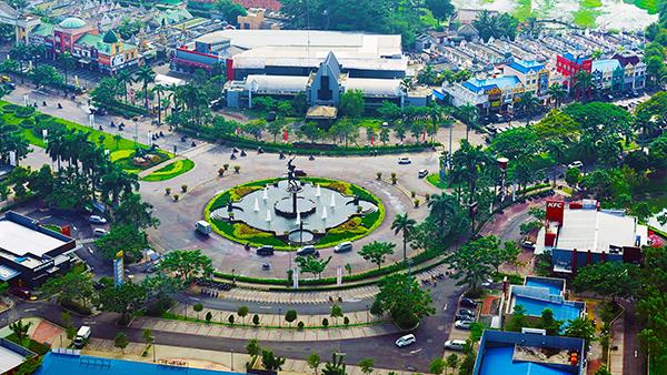 CitraRaya-Tangerang_roundabout