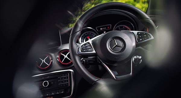 Mercedes-Benz-CLA-45-AMG_interior